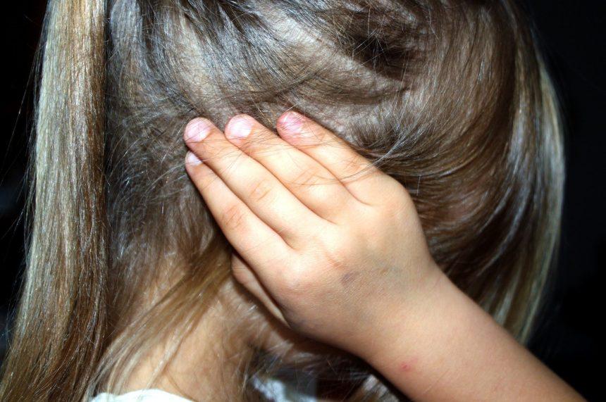 Спешно временно настаняване на дете извън семейството