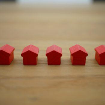Лична собственост ли е имот, закупен от единия съпруг по време на брака със средства от кредит?